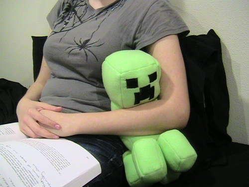 Minecraft-stuffed-creeper-doll